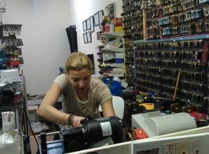 key cutting and locksmith shop kent
